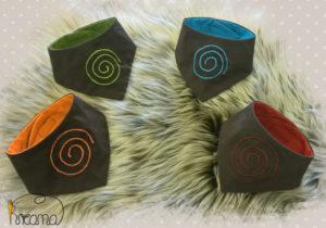 Babyhalstuch-Dreiecktuch-Spirale-braun-rot-blau-grün-orange-4-Stück-Shop