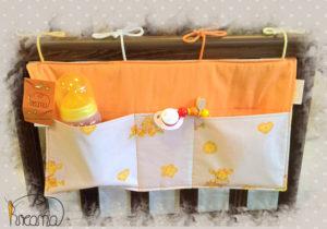 Bettutensilo-Betttasche-Giraffe-gelb-uni-orange-hängend-Shop