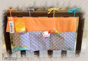 Bettutensilo-Betttasche-Roboter-Punkte-grau-uni-orange-hängend-Shop