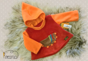 Fleecepulli-Narr-orange-rot-von-vorn-Shop