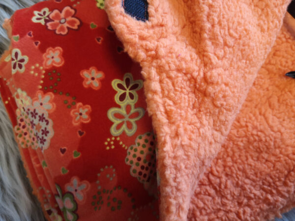 Kutschenmuff-orange-Blumen-Nahaufnahme