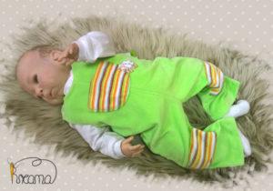 Nicky-grün-Schäfchen-mit-Puppe-Shop