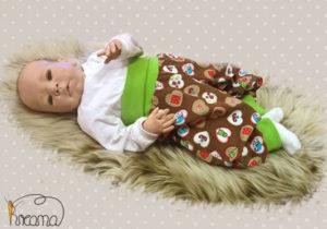 Pumphose-Babyhose-Cord-Herzen-braun-Bündchen-gruen-mit-Puppe