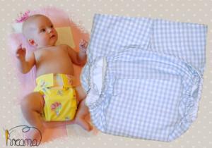 Gewebespreizhose,Spreizwindelhose Karo blau mit Baby
