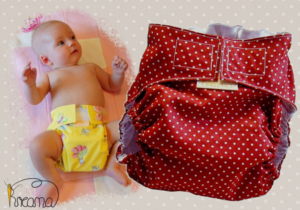 Gewebespreizhose,Spreizwindelhose Punkte rot mit Baby