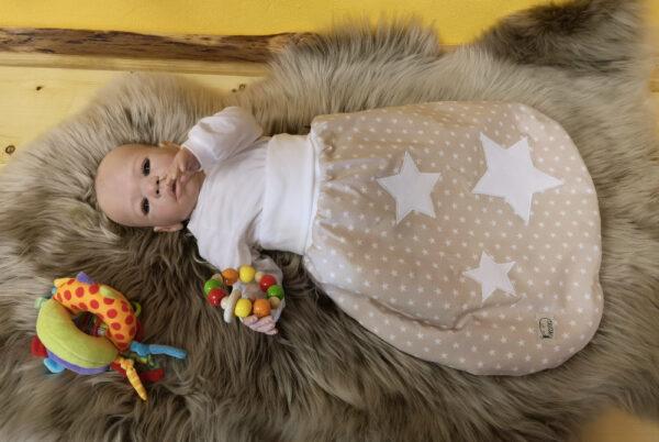 Sterne-natur-eizeln-mit-Puppe