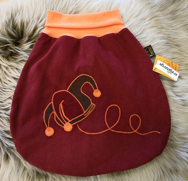 Strampelsack-Narr-rot-braun-ohne-Puppe
