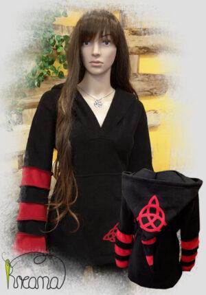 Titelbild-Fleecepulli-schwarz-rot-Triquetra
