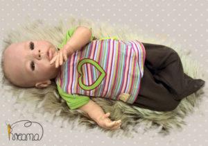 Wickelshirt-Trico-kurzarm-Streifen-bunt-Ärmel-grün-mit-Puppe-Shop